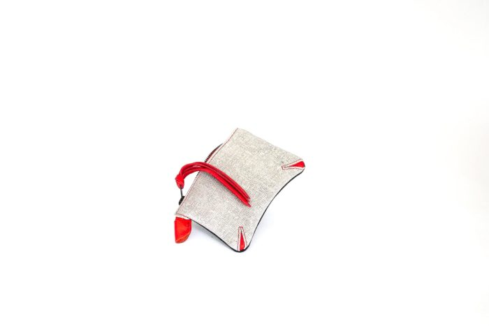 Bicolor pocket purse for women.