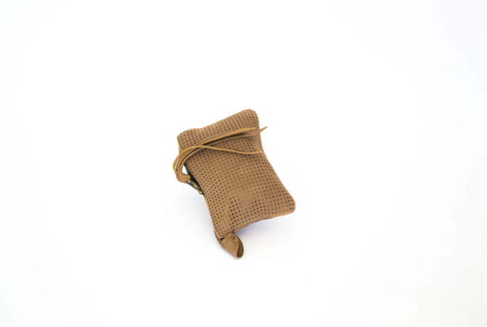 Little cute purse in light brown textured leather.