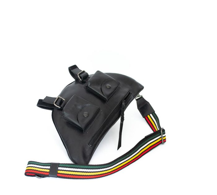 Bage with a front zipped pocket and rainbow straps in black cowhide.
